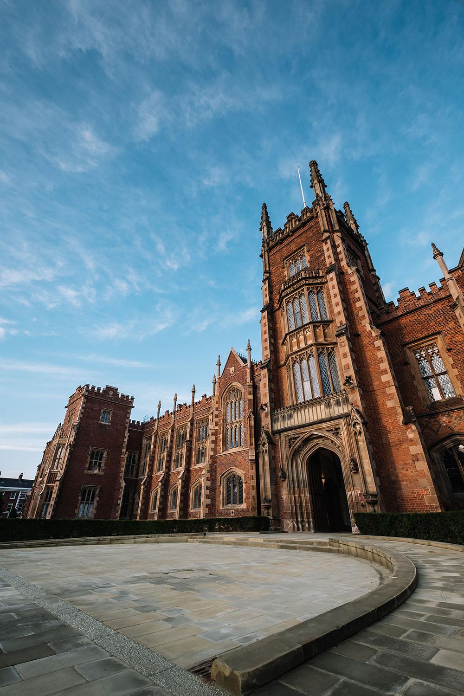 英国女王大学排名_校园美图   关于英国女王大学 Queens University Belfast