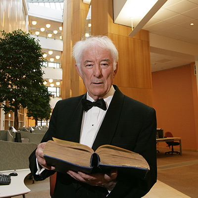 Heaney in Library 400