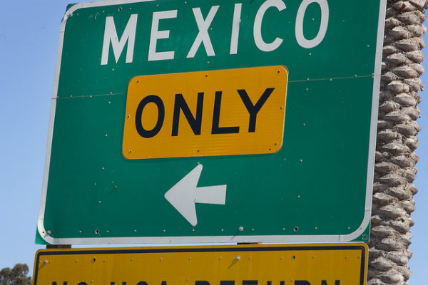 Border sign with Mexico