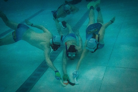 Underwater hockey 5