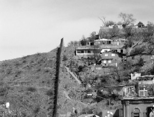 Neighbourhood on Mexican side of border with US (2006). Photo by Karl W. Hoffman reproduced with kind permission.