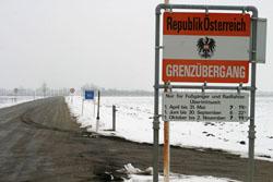 Hungarian-Austrian Border | Centre for International ...