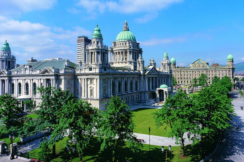 Belfast city hall in Summer